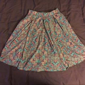 Size small LLR Madison skirt with pockets.